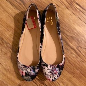 Spring Floral Flats by Mix 6 size 9.5